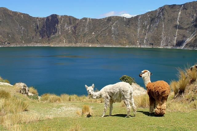Wanderung um den Quilotoa Kratersee in Ecuador